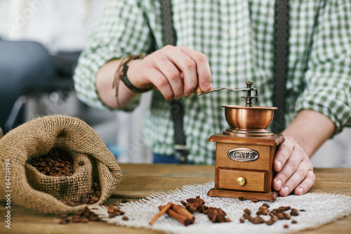 Poster koffiebar Tampering coffee beans
