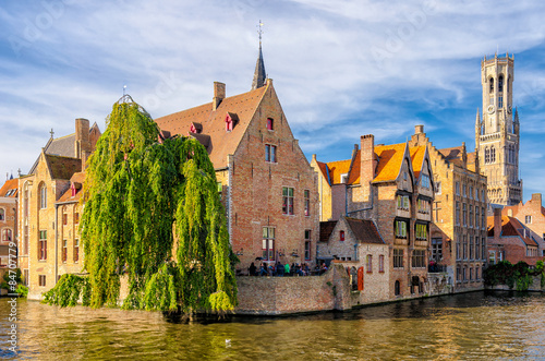 Photo sur Aluminium Bruges View of th djiver canal in Bruges, Belgium