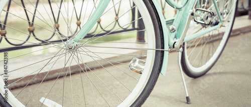 Deurstickers Fiets blue vintage city bicycle, concept for activity and healthy lifestyle