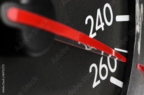 Poster  analoger Tacho eines Autos - Höchstgeschwindigkeit