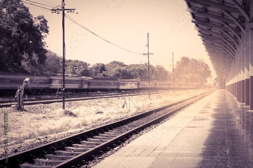 Fotografía  railway station at Chiangmai Thailand in vintage color filter