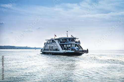 Fotomural  Car ferry on the lake Constance (Bodensee).