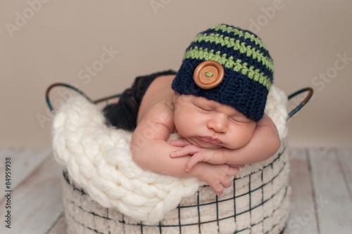 Photo  Newborn Baby Boy Wearing a Beanie Cap