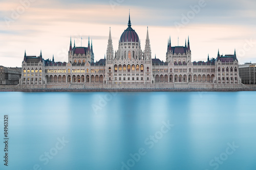 Foto op Aluminium Artistiek mon. Hungarian Parliament Building before dawn, Budapest