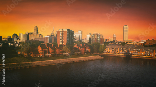 Tuinposter Buffel Buffalo New York Skyline Sunset. The Buffalo, New York skyline during sunset. Edited with a vintage look. All logos and trademarks removed.