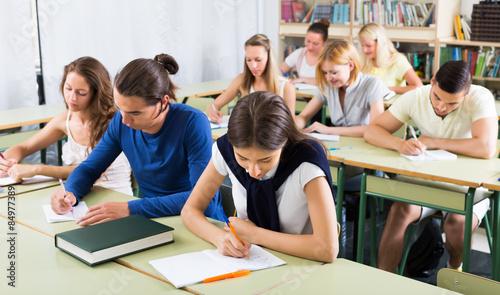 Fotografía  Serious student listening attentively
