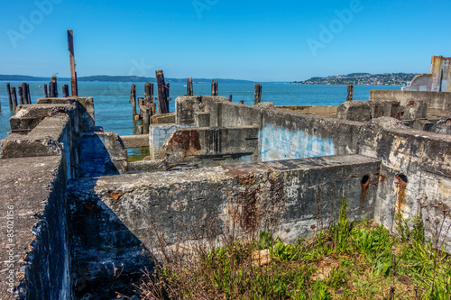 Photo  HDR image of a decayed building foundation in Ruston, Washington