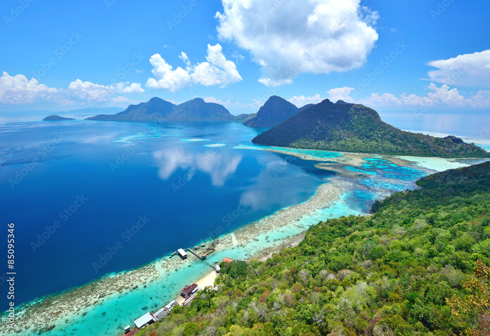 Fototapeta Aerial view of tropical island of Bohey Dulang near Siapdan Island, Sabah Borneo, Malaysia.