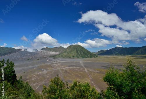 Keuken foto achterwand Nieuw Zeeland Mount Bromo with blue sky and cloud