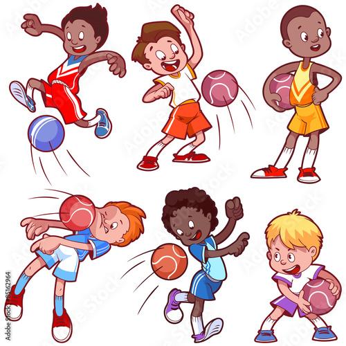 Papiers peints Chambre bébé Cartoon boys playing dodgeball.