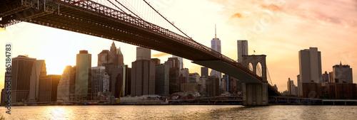 manhattan-linii-horyzontu-panorama-i-most-brooklynski-przy-zmierzchem-nowy-jork