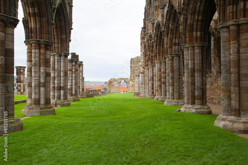 Photo sur Toile Con. Antique Ruins of Whitby Abbey