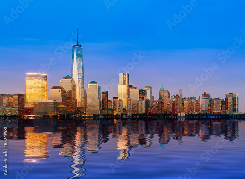 Photo  Skyline of Lower Manhattan at night