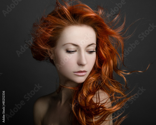 Cuadros en Lienzo girl with red hair