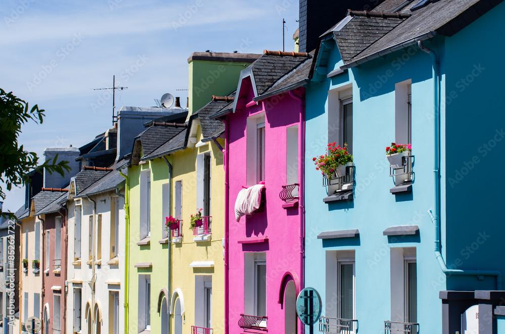 Fototapety, obrazy: Maisons colorées dans une rue de Brest
