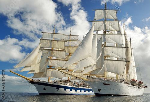 najlepsze-statki-wycieczkowe-kolekcja-jachtow-statkow-i