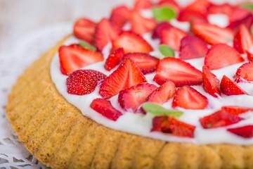 Panel Szklany Do cukierni Tart with strawberries and panna cotta