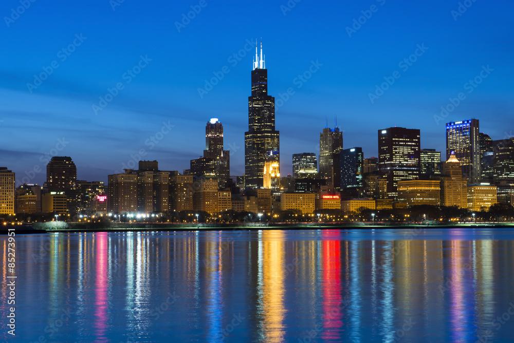 Láminas Horizonte de la ciudad de Chicago y luces de la noche ...
