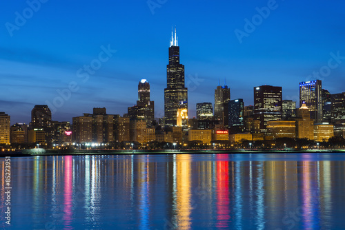 Photo  City of Chicago Skyline and Night Lights