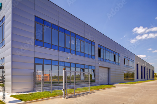 Deurstickers Industrial geb. Aluminum facade on industrial building