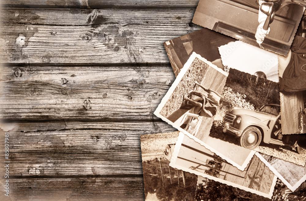 Fototapety, obrazy: vecchie fotografie su fondo legno
