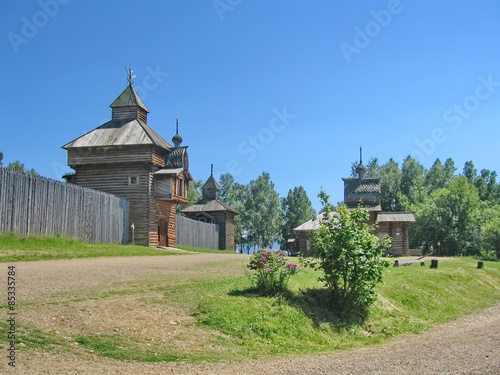 Tuinposter Monument Old Russian Wooden Architecture