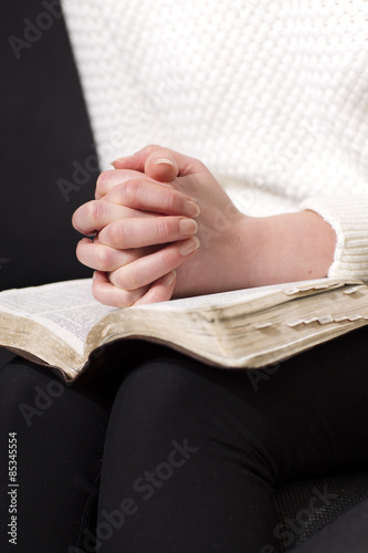 Photo Reading the bible and pray