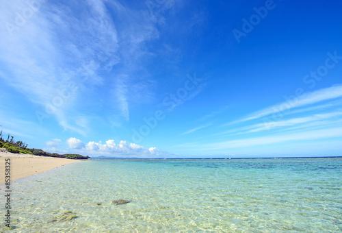 Photo  Tropical sea and blue sky of Okinawa, Japan