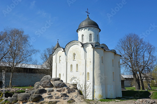Valokuva  Staraya Ladoga. Russia. Ancient St. George's Cathedral