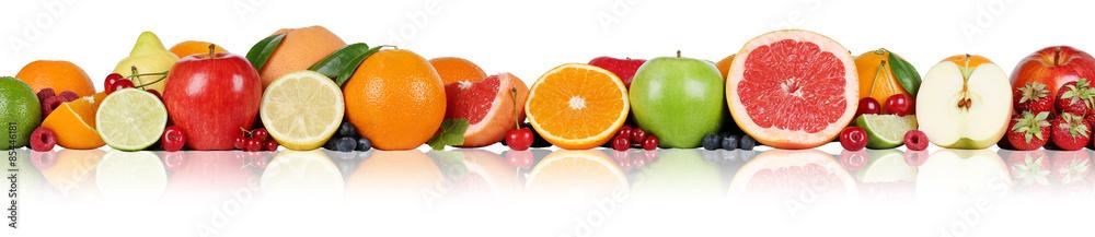 Früchte Orangen Zitronen Apfel Erdbeeren Beeren in einer Reihe