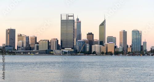 Poster Australie Perth, Australia Skyline reflected in the Swan River