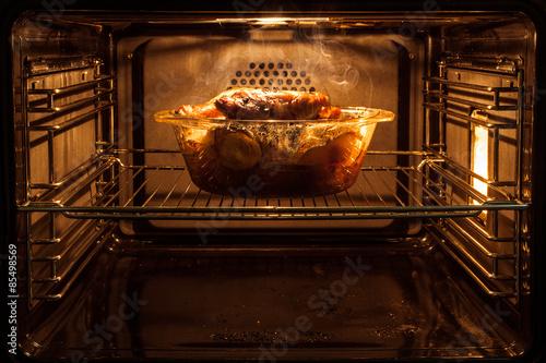 Poster Cuisine roast chicken in the oven