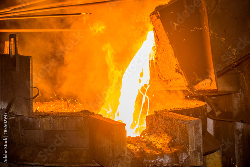 Steel pouring at steel plant Canvas-taulu