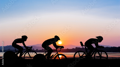 Foto op Plexiglas Fietsen Cycling on twilight time