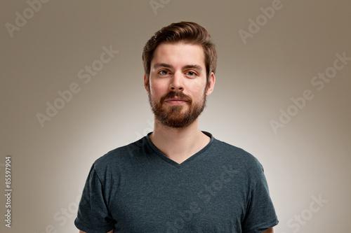 Fotografía  Portrait of young man with beard