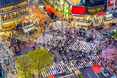 In de dag Tokio Shibuya Crossing in Tokyo