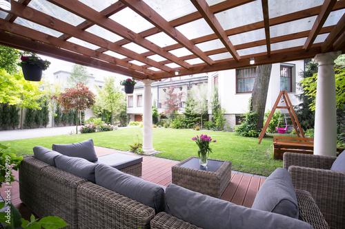 Fényképezés Modern arbour with garden furniture