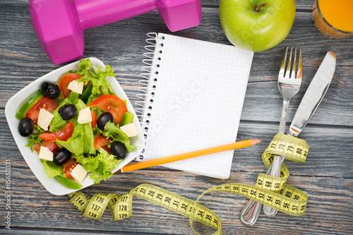 Fotografia  Workout and fitness dieting copy space diary.