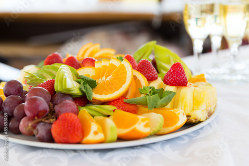 Poster Fruits Fresh fruit party plate