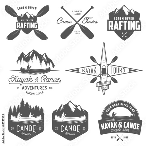 Carta da parati Set of kayak and canoe emblems, badges and design elements