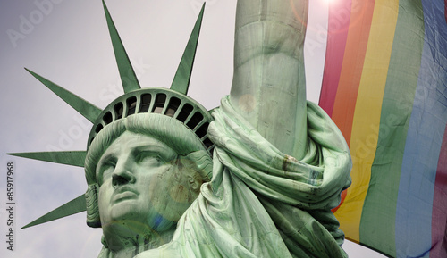 Fotografie, Obraz  Statue of liberty in New York and rainbow flag
