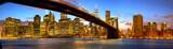 Panorama Manhattanu i most Brookliński o zmierzchu