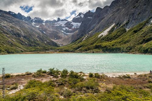 Fotografía  Laguna Esmeralda en la isla de Tierra del Fuego