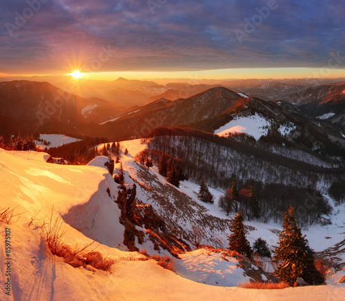 Photo Stands Night blue Nature mountain with sun at winter in Slovakia