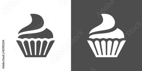 Cupcake icon Canvas Print
