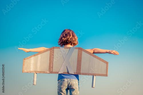Obraz Happy child playing outdoors - fototapety do salonu