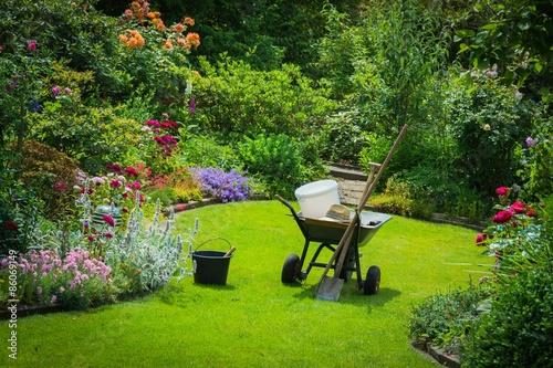 Fesselnd Gartenarbeit, Gartenwerkzeug, Schöner Garten