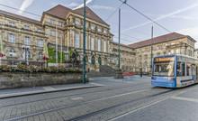 Königsstraße In Kassel Mit Rathaus Im Hintergrund