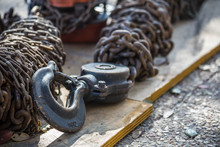 Heavy Crane Hook And Chains