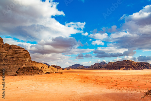 Photo sur Toile Desert de sable Jordanian desert in Wadi Rum, Jordan.